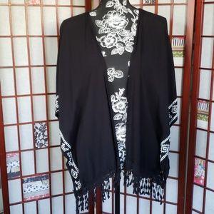 Self esteem black poncho kimono L